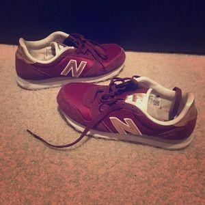 New Balance Sneaker Sz 8 women